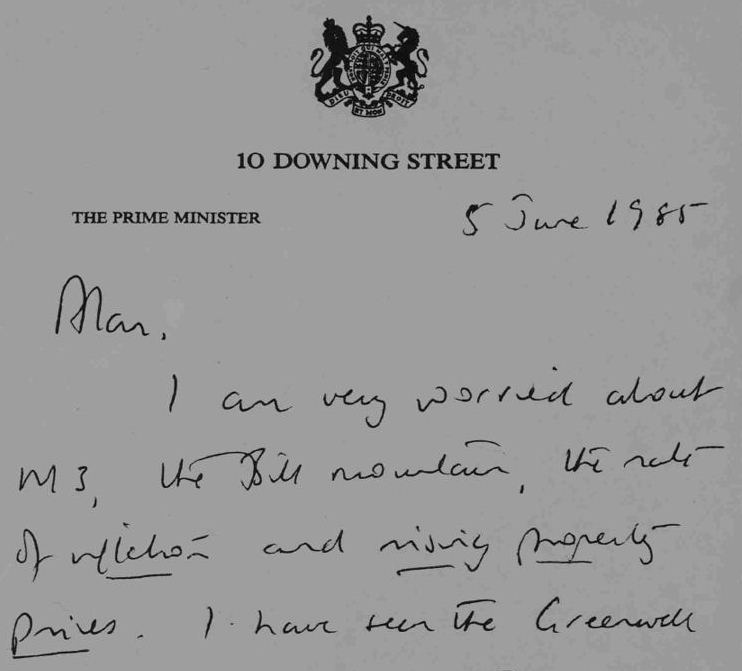 In a handwritten letter, Mrs Thatcher expresses her concerns about the economy to Alan Walters PREM 19/1457