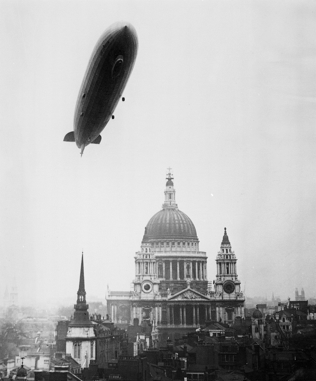 Graf Zeppelin over St Paul's Cathedral, London, 1930, The National Archives, AIR 11/237