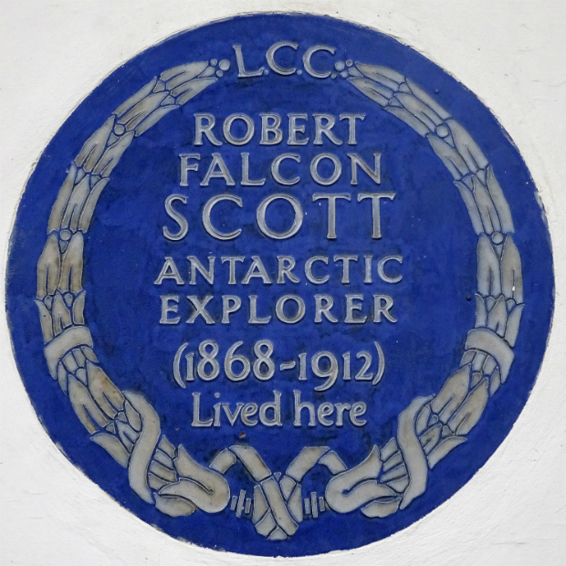 Blue plaque 'LCC. Robert Falcon Scott, Antarctic Explorer (1868-1912) Lived here'