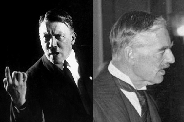Halved black and white picture of a portrait of Hitler and the otherside contains side on picture of Neville Chamberlain
